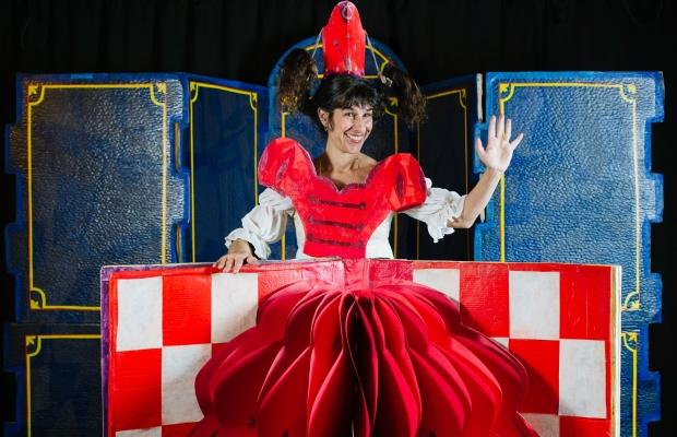 בת המלכה והירח, הצגת ילדים בתיאטרון הקרון
