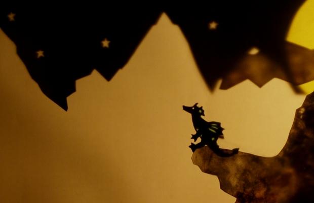 הצגת ילדים הרפתקאות הדרקון פיץ בתיאטרון הקרון