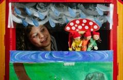תיאטרון סיפור עם מיה, תיאטרון בובות בתיאטרון הקרון בירושלים