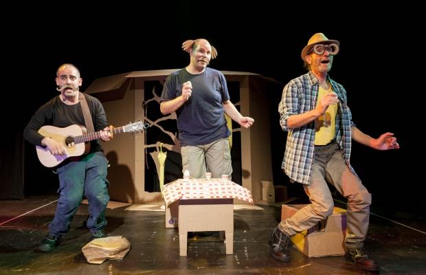 הגשם של סבא אהרון הצגת ילדים על פי ספרו של מאיר שליו בתיאטרון הקרון
